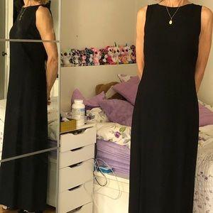 Elegant women's black dress size 4
